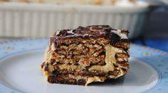 Tarta de galletas y café con cobertura de chocolate - http://www.bezzia.com/recetas/tarta-de-galletas-y-cafe-con-cobertura-de-chocolate.html