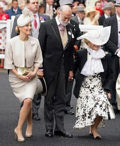 Sophie, Countess of Wessex, Prince Michael and Princess Michael of Kent curtsey and bow to Queen Elizabeth II as they attend Royal Ascot 2012 - Ladies Day