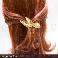 Este #pasador #vintage de hojas es una monada y adornará de modo elegante y sencillo cualquier tipo de peinado. ¡Un adorno estupendo para moños de todo tipo! ★ 7,95 € en http://www.conjuntados.com/es/pasador-vintage-de-hojas-doradas.html ★ #novedades #paratupelo #foryourhair #hair #leaves #conjuntados #conjuntada #accesorios #complementos #moda #fashion #fashionadicct #picoftheday #outfit #estilo #style #GustosParaTodas #ParaTodosLosGustos