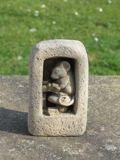 Book Mouse Plaque/Ornament