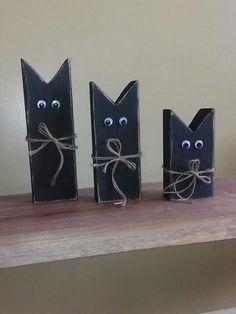 Set of 3 black cats
