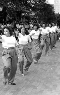 blackculture:  1980ish - Delta Sigma Theta perform a step show
