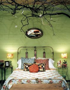 Actually the branches freak me out a little bit,.. but otherwise i dig the room