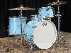 DW Collector's Series Maple/Mahogany Drum Set - Powder Blue