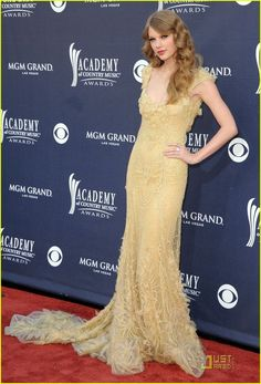 Taylor Swift: ACM Awards 2011 Red Carpet... - Taylor Swift Style