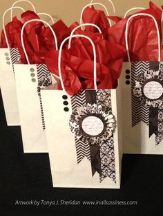 In All Sassiness: Pinwheel Gifts and Gift Bag