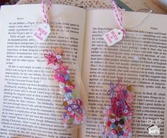 Check out this fun and easy tutorial for making a shaker bookmark using the We R Memory Keepers Photo Fuse