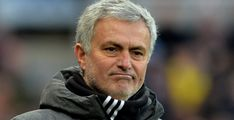 Manchester United can be expected to offload up to four players this summer and bring as many in, says Gary Neville, with Jose Mourinho set to ditch his troublemakers. www.18onlinegame.com