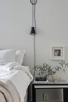 wallpaper bedroom The walls have caught my eye again, this time with a mix of two-tone grey, contrasting white and agorgeous striped wallpaper. Gray Bedroom, Bedroom Decor, Bedroom Ideas, Wall Paper Bedroom, Clean Bedroom, Bedroom Lamps, Bedroom Themes, Bedroom Storage, Bedroom Inspiration