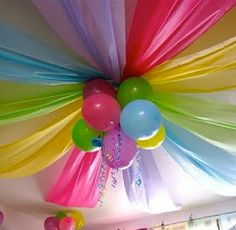 Too Stinkin' Cute: Party Poof!....look what a few plastic table cloths can do!