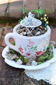 Diy Teapot Planters For Extraordinary Decorations