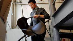 NAP. Kasper Salto seneste stol vejer stort set ingenting. Stolen har fået sit navn, fordi den både skal kunne bruges til en naturlig, aktiv og passiv siddefunktion. Men også fordi den er perfekt til en lille lur – en 'nap'. - Foto: Per Folkver