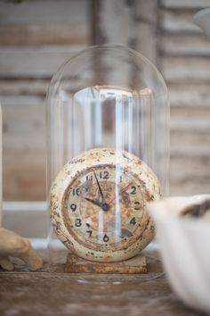 ViNtaGe Clock with patina...