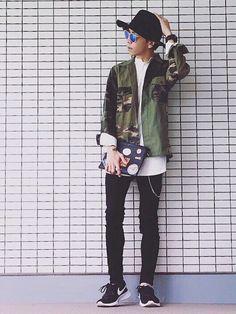 カモフラ×白シャツ×黒スキニー✨ 【お知らせ】 この度 4月24日 発売の男性ファッション誌『sma