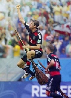 Bahaha, just imagine Thomas Müller in a quidditch game