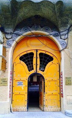 Oradea, Bihor, Romania door