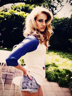 Lana Del Rey Red, white and Blue
