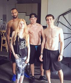Shadowhunters co-stars Isaiah Mustafa, Dominic Sherwood, Alberto Rosende, and Katherine McNamara Clary Et Jace, Shadowhunters Clary And Jace, Clary And Simon, Alec And Jace, Shadowhunters Tv Series, Jace Lightwood, Shadowhunters The Mortal Instruments, Dominic Sherwood, David Castro