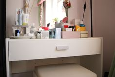 E-Makeup Storage and Dressing Table