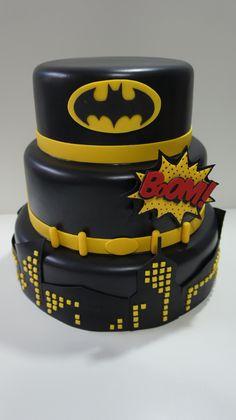 Batman Birthday Cakes, Batman Party, 3rd Birthday, Batman Cake Pops, Batman Cakes, Batman Collectibles, Dinosaur Train, Piping Techniques, Batman Wallpaper