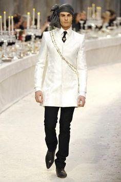 Chanel Parigi - Pre-Fall 2012 2013 - Shows - Vogue. All Fashion, Paris Fashion, Mens Fashion, Fashion Trends, Chanel Men, Chanel Paris, Karl Lagerfeld Men, Bollywood, Stylish Mens Outfits