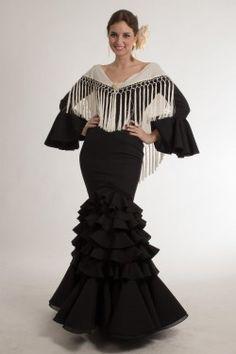 Traje de flamenca de Micaela Villa 2015: Montera Negro