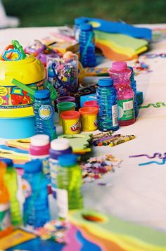 fun things to do wedding reception | Love it! Great kids table idea!!