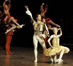 Raymonda por el Ballet de la Ópera de París