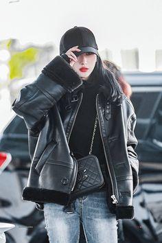 dreamcatcher pics #scream (@gallerycatcher) / Twitter Korean Girl Fashion, Kpop Fashion, Daily Fashion, Kpop Girl Groups, Kpop Girls, Lee Si Yeon, Velvet Fashion, Metal Girl, Clothing Hacks
