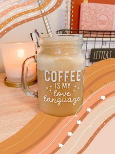 To Go Coffee Cups, Glass Coffee Cups, Coffee Love, Coffee Art, Coffee Mugs, Coffee Glasses, Starbucks Cup Art, Custom Starbucks Cup, Mason Jar Cups