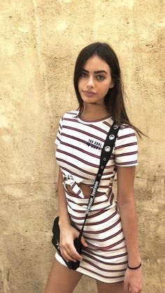 Yael Shelbia shared by 𝐒𝐂𝐀𝐑𝐘 𝐂𝐄𝐈𝐀 on We Heart It Modelos Pin Up, Girl Outfits, Cute Outfits, Star Beauty, Most Beautiful Faces, Fashion Beauty, Womens Fashion, Brunette Beauty, Sexy Shorts