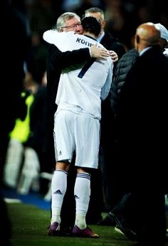 Real Madrid Vs Manchester United: Sir Alex Ferguson & Christiano Ronaldo hugging each other after the match #HalaMadrid