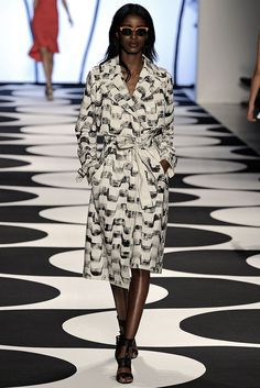 Nicole Miller Spring 2015 Ready-to-Wear - Collection - Gallery - Look 1 - Style.com