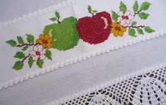 1 million+ Stunning Free Images to Use Anywhere Cross Stitch Rose, Cross Stitch Flowers, Applique Patterns, Crochet Patterns, Free To Use Images, Plastic Canvas Patterns, Cross Stitch Designs, Embroidery Stitches, Free Pattern