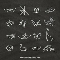 Оригами элементы на доске,