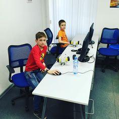 Управляем! #робототехника #курсы #дети #санктпетербург #детиспб #robotics #programming #school #arduino by mechteamjunior