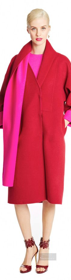 Warm related reds - fiery, passionate, exciting color combination! Oscar de la Renta.Pre-Fall 2015.