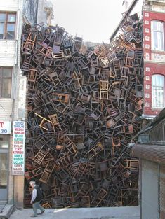 Doris Salcedo | Works | Alexander and Bonin - 8th International Istanbul Biennial  2003