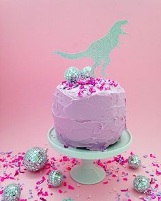 Pink ✔️ Confetti ✔️ Disco Balls ✔️ T-Rex cake topper ✔️ Now it's a P-A-R-T-Y 🎉💖👌🏻 T Rex Cake, Disco Party, Sugar Rush, Sweet Stuff, Twine, Event Planning, Confetti, Sprinkles, Cake Toppers