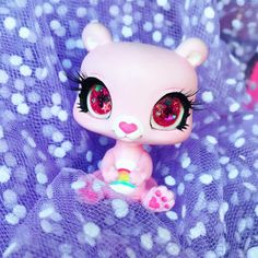 littlest pet shop panda custom with the inserted eyes. Best Picture For Littlest Pet Shop Diy crafts For Your Taste You are looking for somet Littlest Pet Shops, Lps Diy Accessories, Custom Lps, Lps Toys, Cute Animal Memes, Kawaii Illustration, Pets For Sale, Doll Repaint, Little Pets
