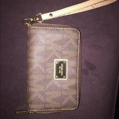 Michael Kors Wristlet Authentic MK wristlet Michael Kors Bags Clutches & Wristlets