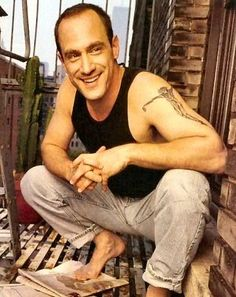 Christopher Meloni. Love love....will always be my stabler!