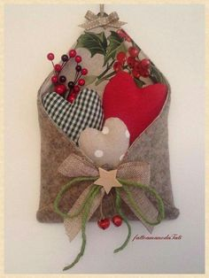 "make this but more ""valentines"" than Christmasy Valentines Day Decorations, Valentine Day Crafts, Xmas Decorations, Christmas Projects, Holiday Crafts, Christmas Ideas, Christmas Sewing, Christmas Crafts, Fabric Hearts"