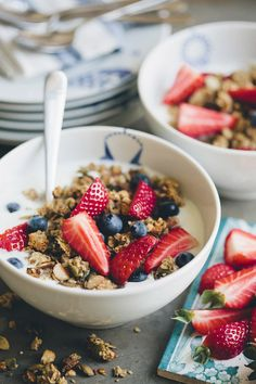Breakfast granola with strawberries and blueberries