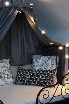 Kinderzimmer DIY Baldachin Zelt Holle Himmelbett Lichterkette Nespressokapseln Ikea Hack