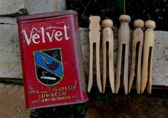 5 Old Vintage Wooden Clothes Pins in a Vtg Velvet Pipe & Cigarette Tobacco Tin #Primitive #LiggetMeyers