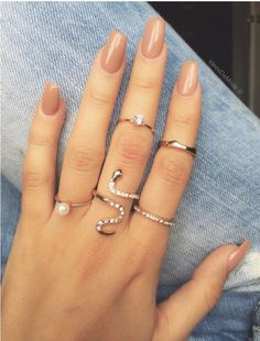 Nails - an awesome line up of nail designs. This ingenious pin presented on this fun day 20191125 Aycrlic Nails, Nude Nails, Hair And Nails, Acrylic Nails Nude, Coffin Nails, Short Nails, Long Nails, Gorgeous Nails, Pretty Nails