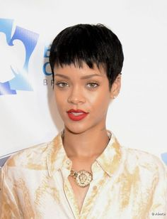 Rihanna y sus cortes de pelo