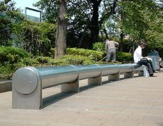 Tubular Stainless Steel Bench in Ikebukuro West Park Tokyo: Hot in Summer Cold in Winter (Yumiko Hayakawa) Skid Row, Urban Furniture, Street Furniture, Marketing Digital, Grilling Gifts, Old Street, Street Art, Homeless People, Furniture Removal