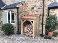Ideas garden shed ideas diy projects log store Firewood Shed, Firewood Storage, Shed Storage, Diy Log Store, Wood Store, Log Store Plans, Log Burner Fireplace, Wood Burner, Fireplace Ideas